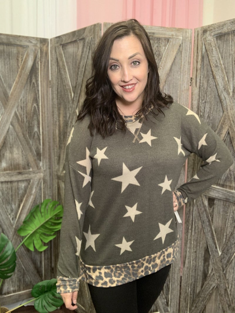 Long Sleeve Star Print Top with Leopard Trim Contrast