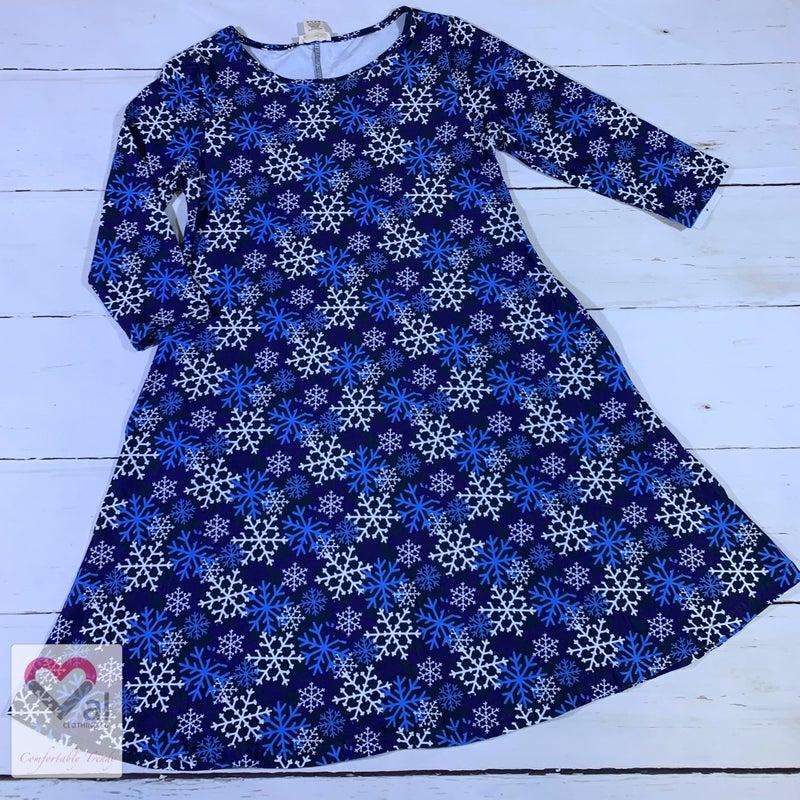 Half Sleeve Snowflake Swing Dress with Pockets