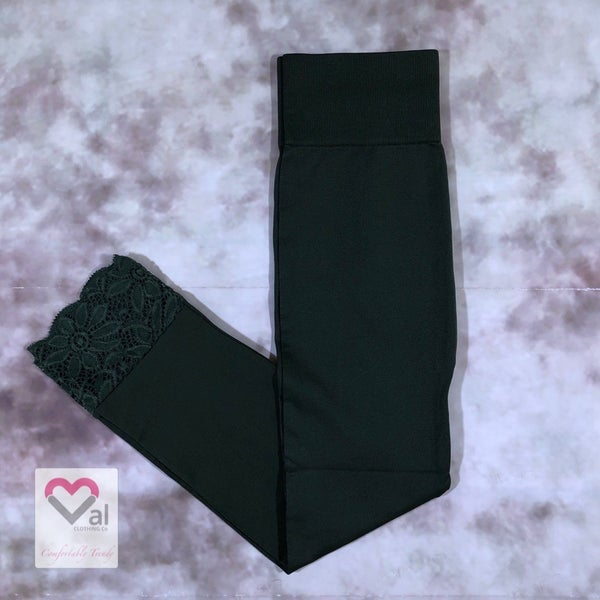 Seamless Capri Leggings with Lace Bottom Detail - Army Green