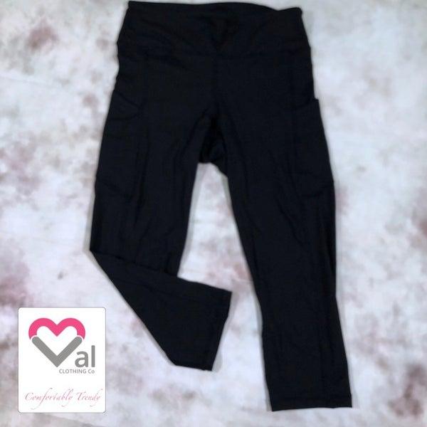 Solid Black Pocket Capri Leggings