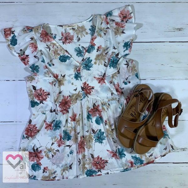 Short Flutter Sleeve Floral Babydoll Top