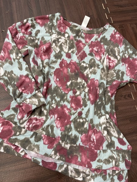 Long Sleeve Watercolor Top with Stitch Detail