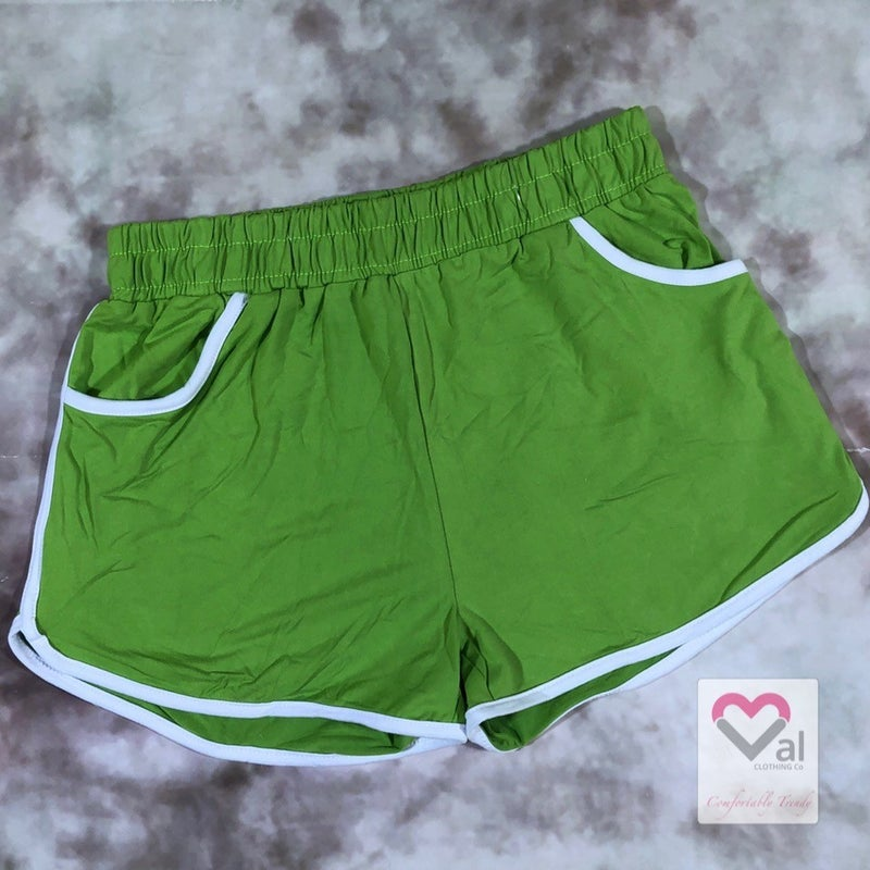 Solid Mid-Rise Leggings Shorts with Side Pockets - Lime
