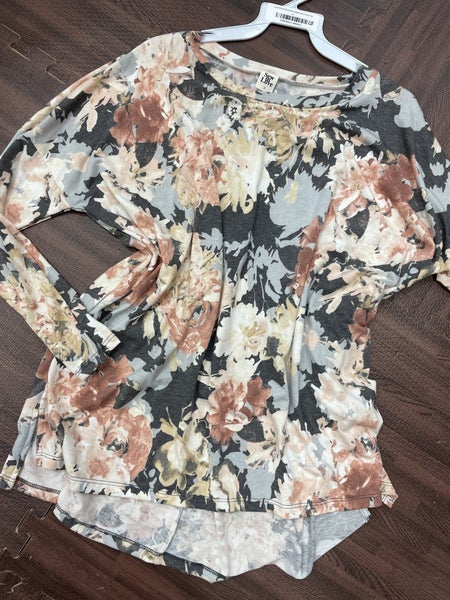Long Sleeve Round Neck Watercolor Floral Top