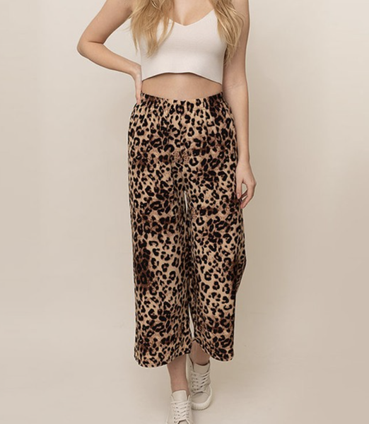 Leopard Printed Wide Leg Crop Pants