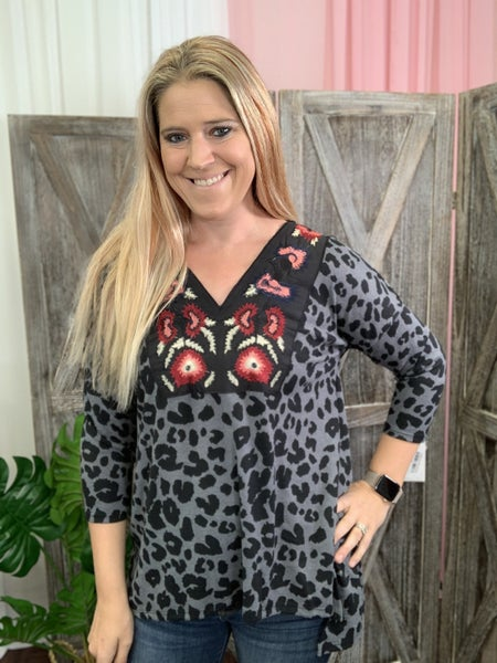 3/4 Sleeve Embroidered Leopard Print Top
