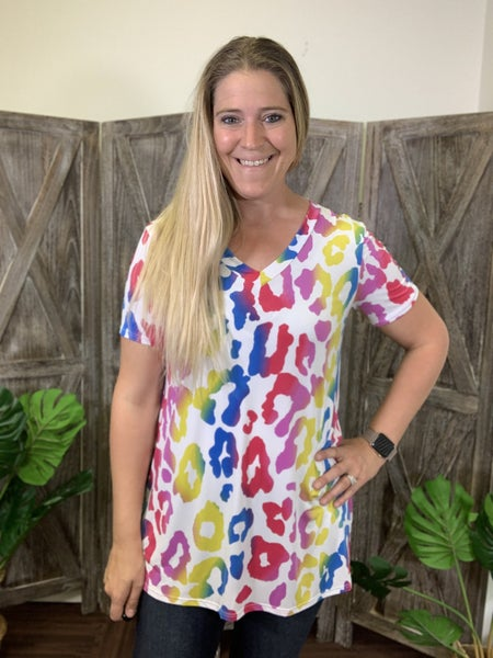 Short Sleeve V Neck Rainbow Leopard Print Top