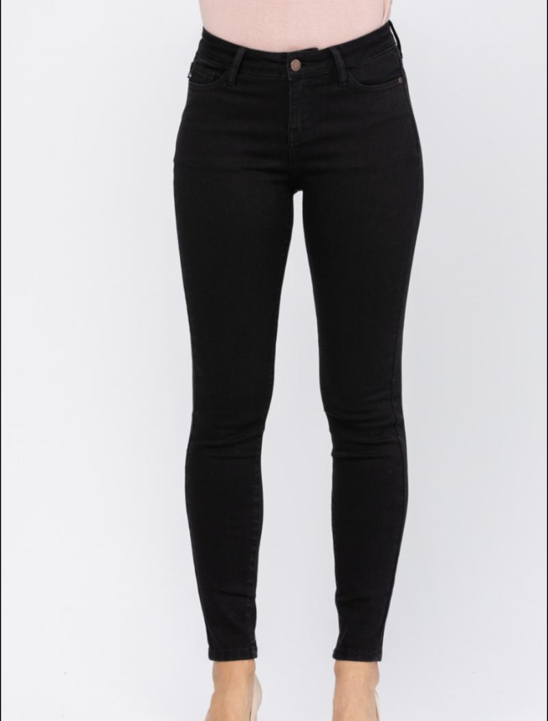 Judy Blue Mid Rise Black Skinny Jeans