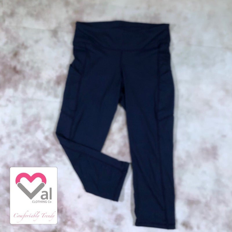 Solid Navy Pocket Capri Leggings
