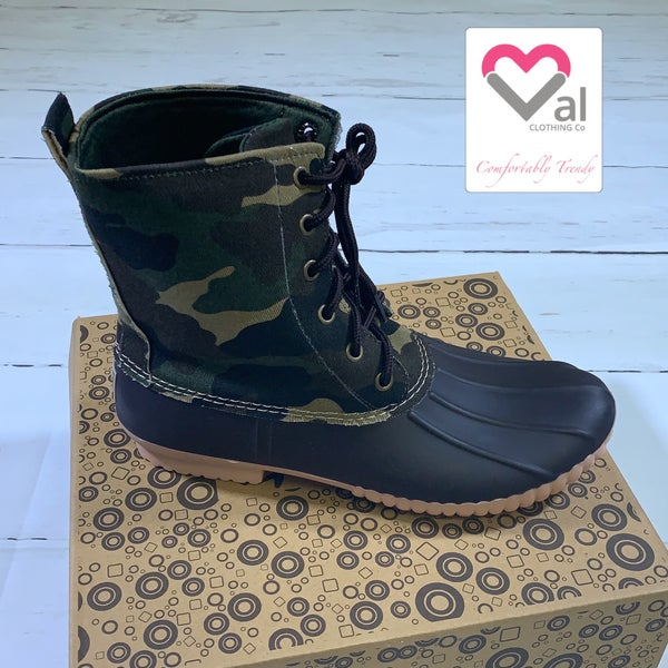Camo Canvas Tie Duck Boots in Brown