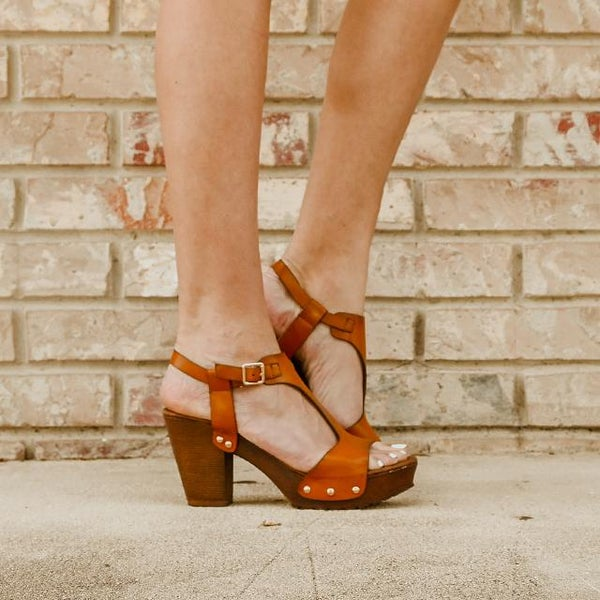 T-strap Open Toe Tan Platfrom Block Heel