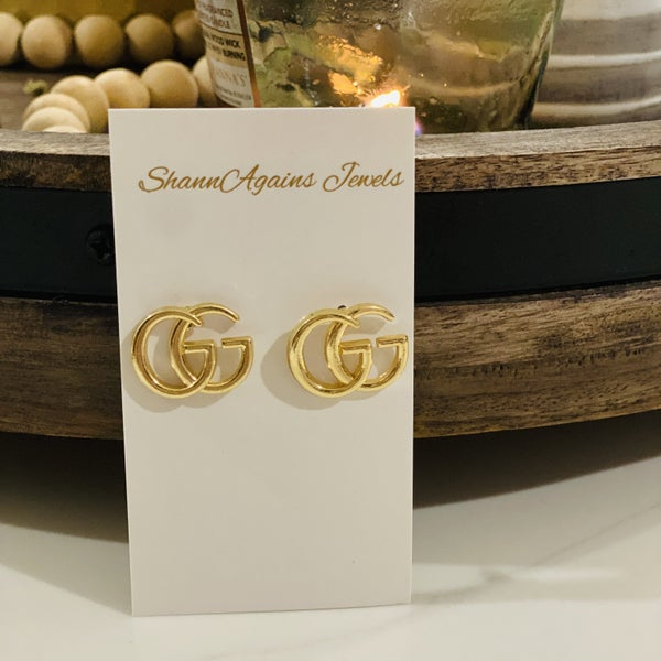 GG Post Earrings