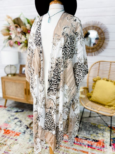 'Glam For Days' Kimono