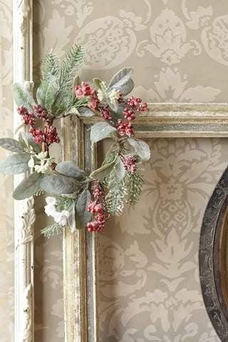 """Nostalgic Noel Wreath 14"""""""