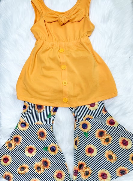 YOUTH All Buttoned Up Bells Set