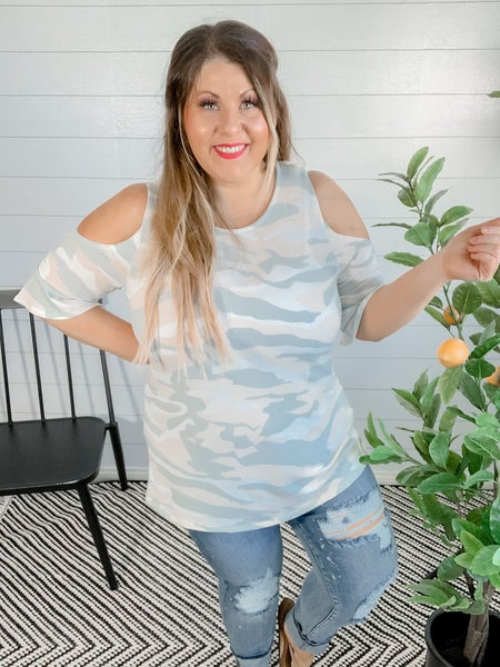 PLUS/REG Cold Shoulder Camo Top
