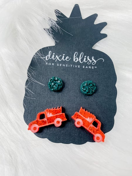 Dixie Bliss Vintage Truck Duo