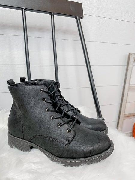 Naomi Black Women's Boots