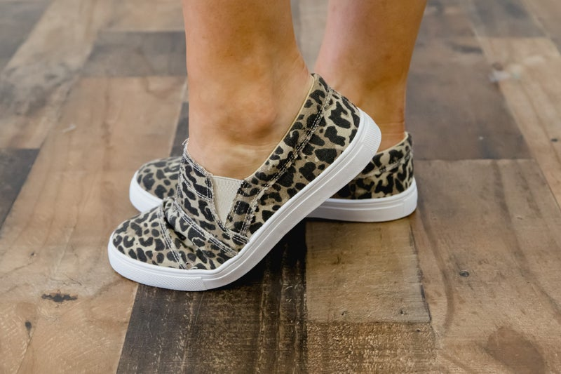 Leopard Sneaks