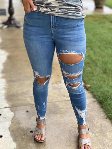 Mary's Distressed Skinny's