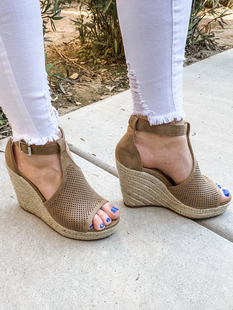 {Camila Wedge} *Final Sale*