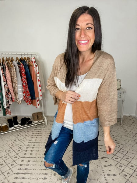 {Mid Sleeve Color Block Cardigan}