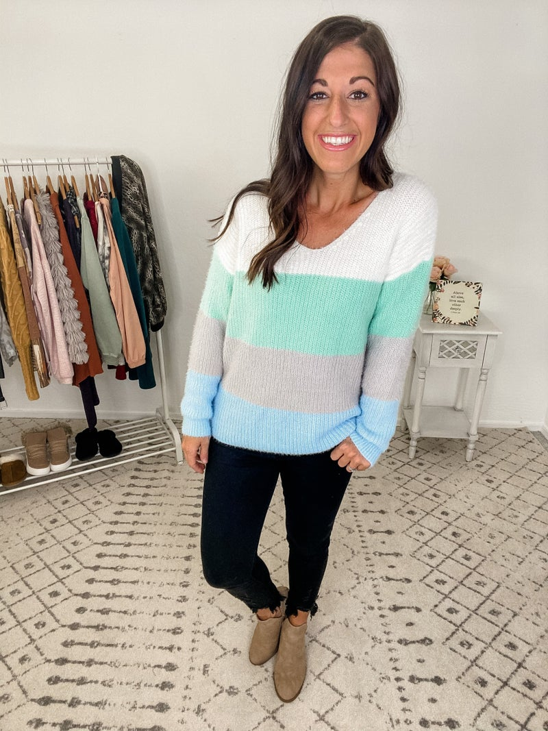 {Soft Knit Color Block Sweater}