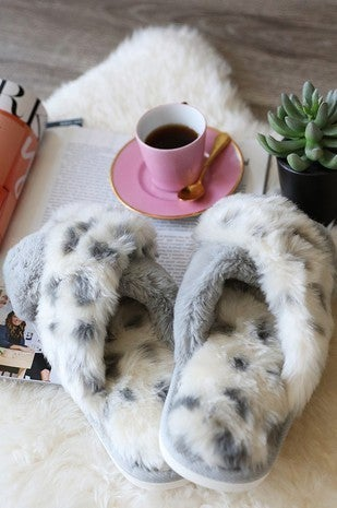 {Fuzzy House Slippers} *Final Sale*