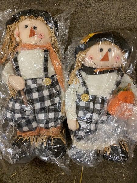 Chummy Checkered Scarecrow