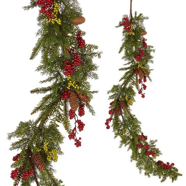 5' CEDAR AND BERRY GARLAND