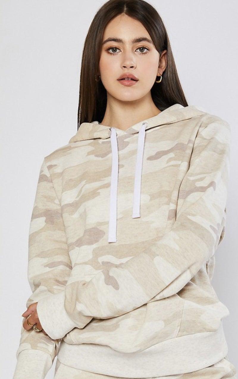 Basic camo hoodie